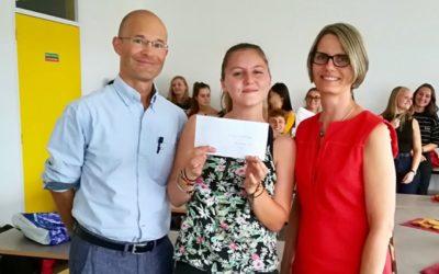 Remise du chèque de la classe de 2nde du lycée Saint.